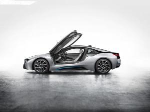 Drömmen om en snabb och häftig bil.