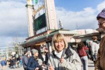 Miljonlotterivinnaren testar berg-och dalbanor på Liseberg!